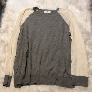 Grey and off white Vineyard Vines sweater